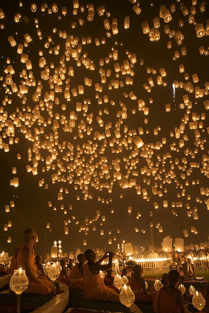 Chiang Mai Yi Reng Lantern Festival